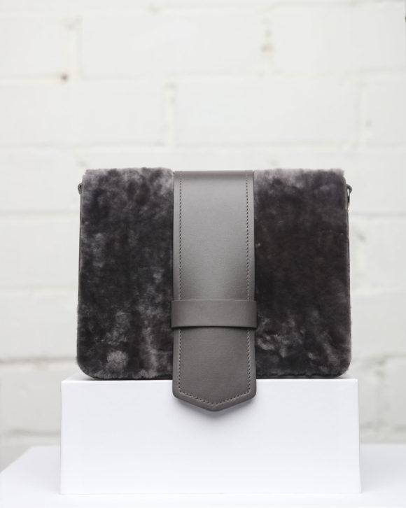 Bolsos de mujer de cuero. Diseño y calidad Made in Spain. Tienda online zapatos y bolsos Maria Albertin